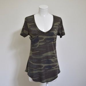 NWOT Z Supply VNeck Curved Hem Camo Pocket Tee